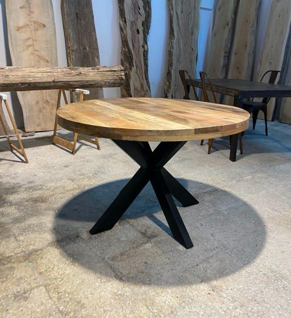 tavolo da pranzo tondo in legno massello stile industriale