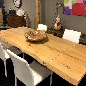 Tavolo allungabile in legno massello rovere rustico con gamba a stella in ferro 160×90 fino a 240 cm
