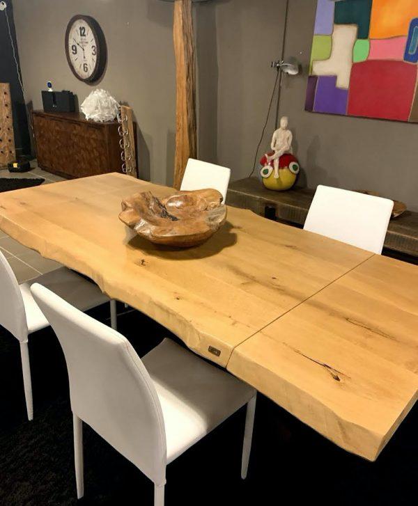 Tavolo allungabile in legno massello rovere rustico con gamba a stella in ferro
