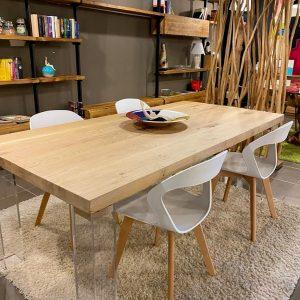 Tavolo di design in legno massello di rovere gambe trasparenti in plexiglass – Aria 200x97cm