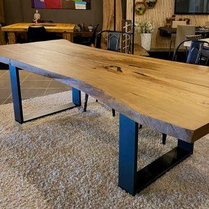 Tavolo sala da pranzo in legno massello segato dal tronco – Dafne