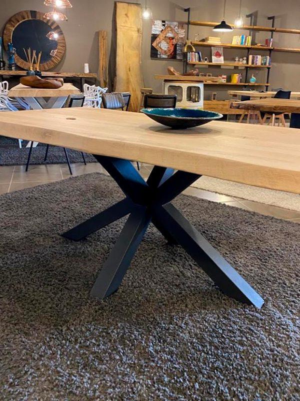 tavolo-legno-rovere-massello-gamba-ferro-stella