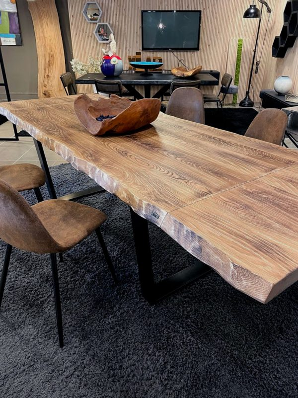 tavolo-legno-massello-rovere-gambe-ferro