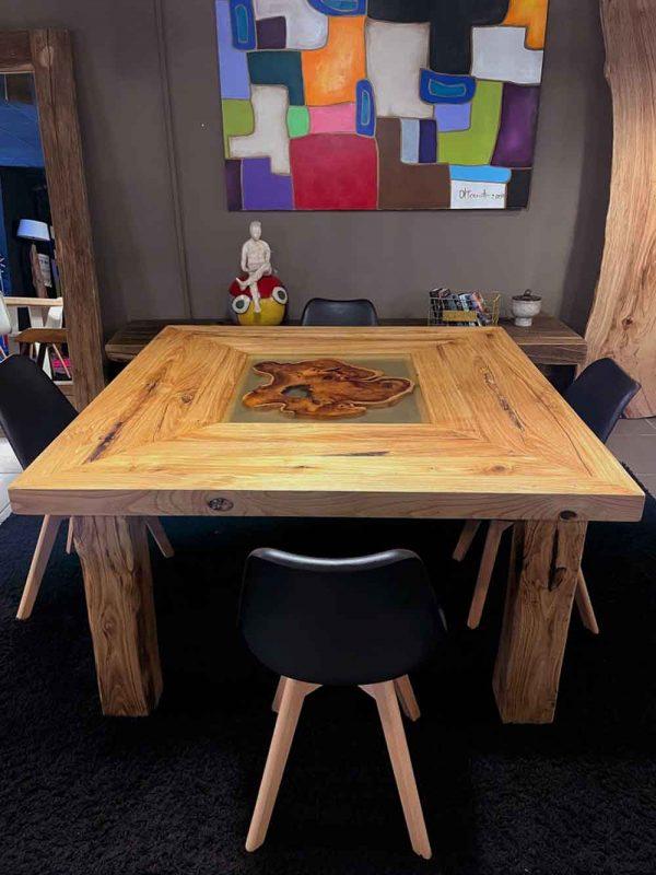 tavolo legno massello castagno resina epossidica